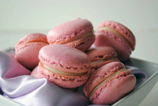 French Macaroons with White Chocolate Lavender Ganache 1