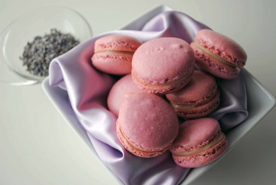 French Macaroons with White Chocolate Lavender Ganache 2